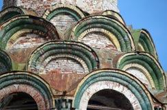 Λεπτομέρεια της ρωσικής εκκλησίας καταστροφών προσόψεων Στοκ Φωτογραφίες