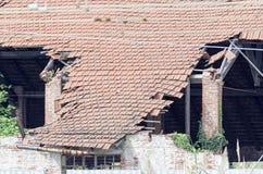 Λεπτομέρεια της σπασμένης στέγης Στοκ Φωτογραφία