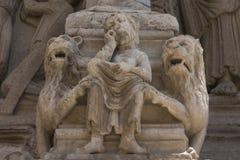 Λεπτομέρεια του αγάλματος στον παλαιό καθεδρικό ναό Sainte Trophime σε Arles Γαλλία Στοκ Φωτογραφίες