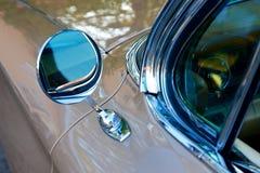 Λεπτομέρεια του αμερικανικού αναδρομικού αυτοκινήτου Στοκ φωτογραφία με δικαίωμα ελεύθερης χρήσης