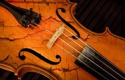 Λεπτομέρεια του βιολιού στο φιλτραρισμένο ύφος ως ραγισμένο χρώμα Στοκ Εικόνες