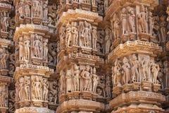 Λεπτομέρεια του εξωτερικού τοίχου στον ινδό ναό σε Khajuraho της Ινδίας. Στοκ εικόνες με δικαίωμα ελεύθερης χρήσης