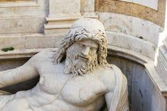 """Λεπτομέρεια του κολοσσιαίου αγάλματος που αποκαθίσταται ως Oceanus: """"Marforio Στοκ Εικόνα"""