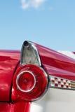 Λεπτομέρεια του κόκκινου εκλεκτής ποιότητας αυτοκινήτου καμπριολέ Στοκ φωτογραφία με δικαίωμα ελεύθερης χρήσης