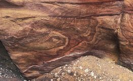 Λεπτομέρεια του κόκκινου τοίχου φαραγγιών στα βουνά Eilat στο Ισραήλ στοκ φωτογραφίες με δικαίωμα ελεύθερης χρήσης