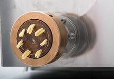 Λεπτομέρεια του πιάτου κύβων για την παραγωγή caserecce των ζυμαρικών Στοκ Φωτογραφίες