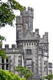 Λεπτομέρεια του πύργου πετρών του αβαείου Kylemore, Connemara, δυτικά της Ιρλανδίας Στοκ Εικόνες