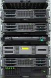 Λεπτομέρεια του ραφιού κεντρικών υπολογιστών σε ένα δωμάτιο κεντρικών υπολογιστών Στοκ εικόνα με δικαίωμα ελεύθερης χρήσης