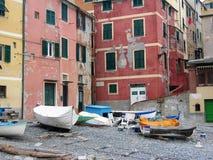 Λεπτομέρεια του χωριού Boccadasse παλαιοί ναυτικοί ` neighbourhoodon με τις μικρές βάρκες στην παραλία, Λιγυρία Ιταλία Στοκ Φωτογραφίες
