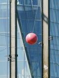 Λεπτομέρεια του Deutschherrnbrà ¼ cke μπροστά από τη Ευρωπαϊκή Κεντρική Τράπεζα Φρανκφούρτη Αμ Μάιν Στοκ Φωτογραφία
