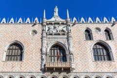 Λεπτομέρεια του Doge ` s παλατιού στη Βενετία Στοκ Εικόνα