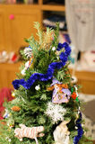 Λεπτομέρεια των διακοσμήσεων χριστουγεννιάτικων δέντρων Στοκ εικόνες με δικαίωμα ελεύθερης χρήσης