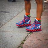 Λεπτομέρεια των παπουτσιών έξω από τις επιδείξεις μόδας της Gucci που χτίζουν για την εβδομάδα 2014 μόδας των γυναικών του Μιλάνο Στοκ Εικόνα