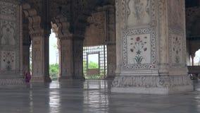 Λεπτομέρεια των στηλών ένα από τα κτήρια μέσα στο κόκκινο οχυρό στο Νέο Δελχί, Ινδία, βίντεο μήκους σε πόδηα 4k φιλμ μικρού μήκους