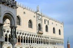 Λεπτομέρεια Doge της Βενετίας του παλατιού Στοκ Εικόνες