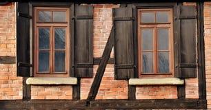Λεπτομέρειες ενός εφοδιασμένου με ξύλα σπιτιού στοκ εικόνες με δικαίωμα ελεύθερης χρήσης