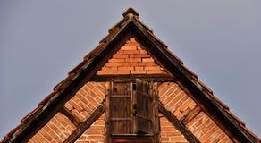Λεπτομέρειες ενός εφοδιασμένου με ξύλα σπιτιού στοκ εικόνα