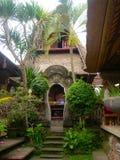 Λεπτομέρειες ενός ναού στη φύση στο Μπαλί στοκ εικόνες