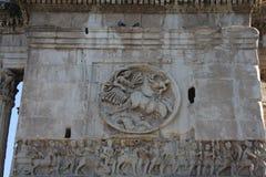 Λεπτομέρειες της θριαμβευτικής αψίδας του Constantine, που αφιερώνεται στην ΑΓΓΕΛΙΑ 315 για να γιορτάσει το Constantine Στοκ Εικόνα