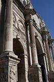 Λεπτομέρειες της θριαμβευτικής αψίδας του Constantine, που αφιερώνεται στην ΑΓΓΕΛΙΑ 315 για να γιορτάσει το Constantine Στοκ Φωτογραφίες