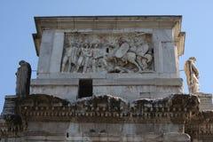 Λεπτομέρειες της θριαμβευτικής αψίδας του Constantine, που αφιερώνεται στην ΑΓΓΕΛΙΑ 315 για να γιορτάσει το Constantine Στοκ Φωτογραφία