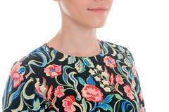Λεπτομέρειες του ιματισμού γυναικών ` s Φόρεμα λεπτομέρειας σε ένα πρότυπο σε ένα λευκό Στοκ φωτογραφία με δικαίωμα ελεύθερης χρήσης