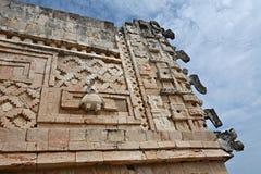 Λεπτομέρειες του των Μάγια ύφους αρχιτεκτονικής Puuc - Uxmal, Μεξικό Στοκ φωτογραφία με δικαίωμα ελεύθερης χρήσης