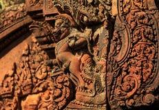 Λεπτομέρειες χάραξης στο ναό Banteay Srei Angkor Στοκ Φωτογραφίες