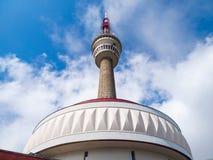 Λεπτομερής άποψη της συσκευής αποστολής σημάτων TV και του πύργου επιφυλακής στην κορυφή του βουνού Praded, Hruby Jesenik, Δημοκρ Στοκ φωτογραφία με δικαίωμα ελεύθερης χρήσης