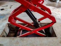 Λεπτομερής εικόνα του ανελκυστήρα αυτοκινήτων στοκ φωτογραφία με δικαίωμα ελεύθερης χρήσης