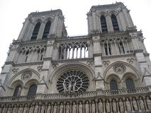 Λεπτομερής ο entranceway του Cathédrale Παναγία των Παρισίων, Παρίσι στοκ φωτογραφίες με δικαίωμα ελεύθερης χρήσης