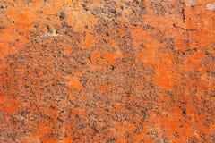 Λεπτομερής στενή επάνω επιφάνεια των ραγισμένων και ξεπερασμένων συμπαγών τοίχων στη υψηλή ανάλυση στοκ φωτογραφίες