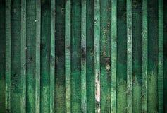 Λεπτομερής σύσταση ανασκόπησης του πράσινου ξύλινου τοίχου Στοκ φωτογραφία με δικαίωμα ελεύθερης χρήσης