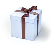 Λεπτό ανοικτό μπλε κιβώτιο για ένα παρόν, με την κορδέλλα Στοκ φωτογραφία με δικαίωμα ελεύθερης χρήσης