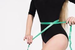 Λεπτό θηλυκό σώμα με μια λεπτή μέση Στοκ Εικόνες