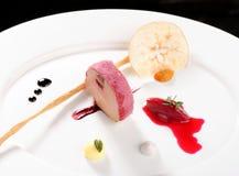 Λεπτό να δειπνήσει, gras Foie χήνων με το μαύρο σκόρδο Στοκ φωτογραφία με δικαίωμα ελεύθερης χρήσης