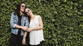Λεσβιακή έννοια ζεύγους μαζί υπαίθρια στοκ φωτογραφίες