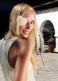 λευκές γυναίκες φορεμά& Στοκ Εικόνες