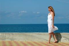 λευκή γυναίκα φορεμάτων Στοκ Φωτογραφία