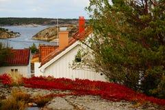 Λευκός Οίκος κοντά στο φιορδ Kragero, Portor Στοκ Φωτογραφία