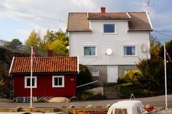Λευκός Οίκος κοντά στο φιορδ Kragero, Portor Στοκ Φωτογραφίες