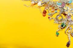 λευκόχρυσος κοσμήματ&omicron Στοκ φωτογραφίες με δικαίωμα ελεύθερης χρήσης