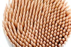 λευκό ανασκόπησης toothpicks Στοκ Φωτογραφίες