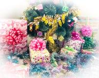 λευκό απομόνωσης δώρων Χριστουγέννων Στοκ Εικόνα