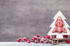 λευκό απομόνωσης ντεκόρ Χριστουγέννων χαιρετισμός Χριστουγέννων καρτών Χριστούγεννα συμβόλων στοκ φωτογραφίες με δικαίωμα ελεύθερης χρήσης