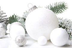Λευκό διακοσμήσεων Χριστουγέννων Στοκ φωτογραφία με δικαίωμα ελεύθερης χρήσης