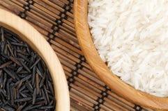 λευκό καφετιού ρυζιού ρύθμισης Στοκ Φωτογραφίες