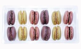 λευκό κιβωτίων macarons Στοκ φωτογραφία με δικαίωμα ελεύθερης χρήσης