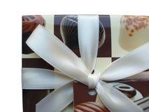 λευκό κορδελλών σοκολάτας κιβωτίων Στοκ Φωτογραφία