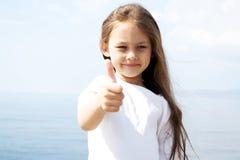 λευκό κοριτσιών μπλουζών Στοκ εικόνες με δικαίωμα ελεύθερης χρήσης